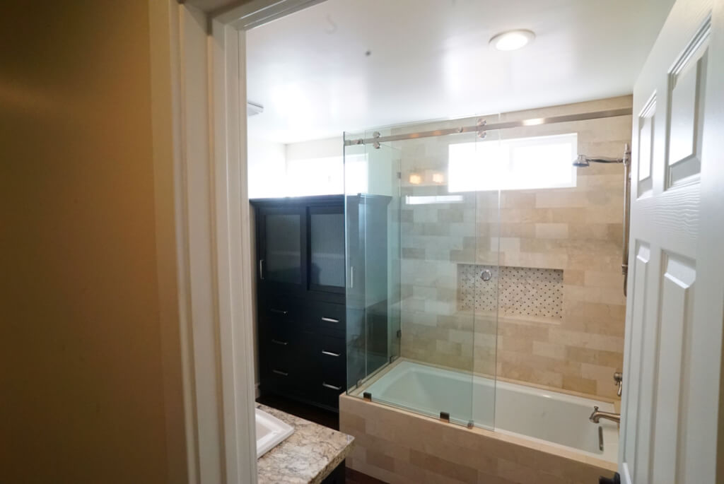 bathroom in pacific beach sober house