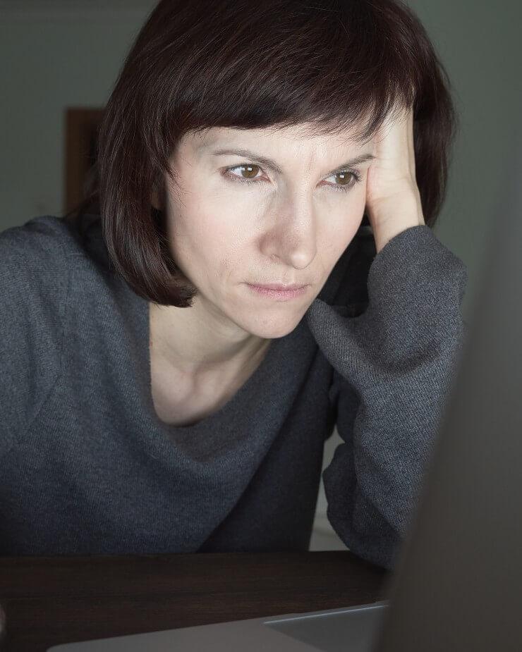 anxiety woman night evening fatigue internet addict