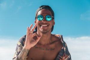 tatooed man eyeglasses schizophrenia treatment san diego