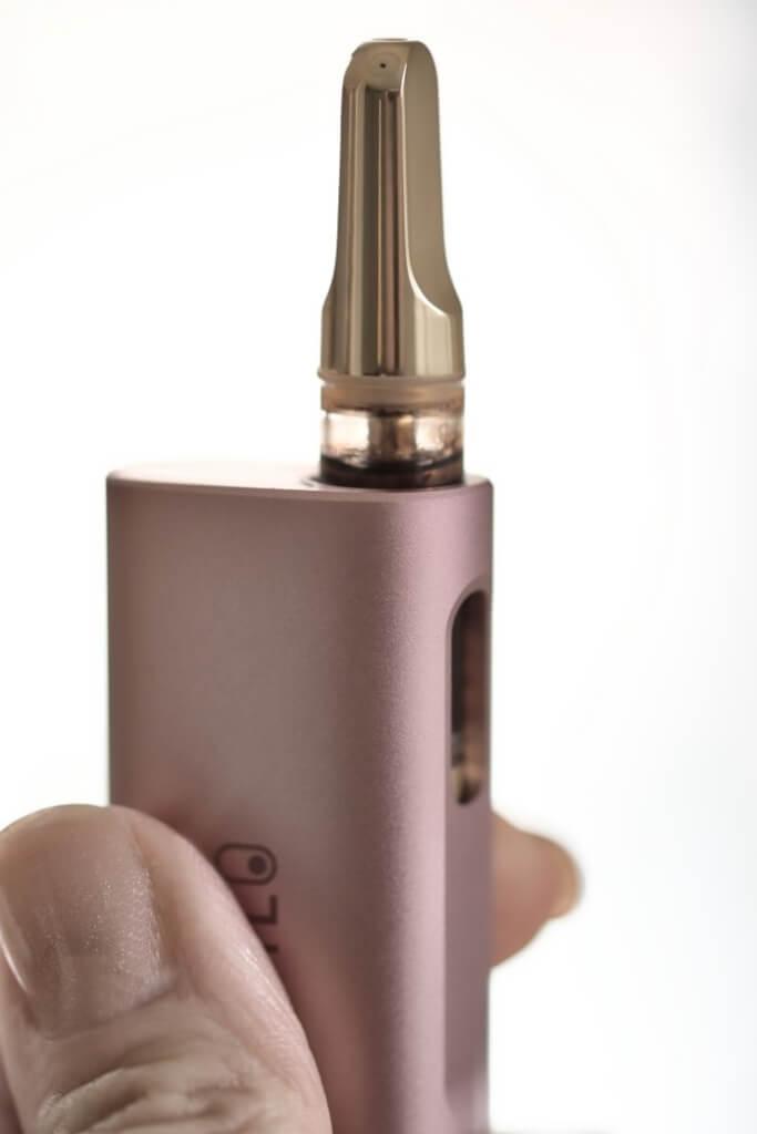oil smoking fingers vapor cell device cartridge vaping vape effects stopping